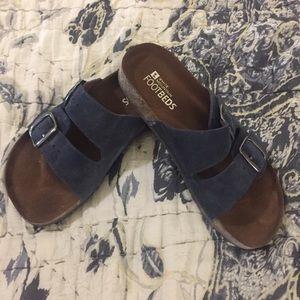 EUC White Mountain Footbed Shoes